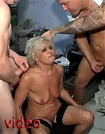 Grandma nackte Free Old